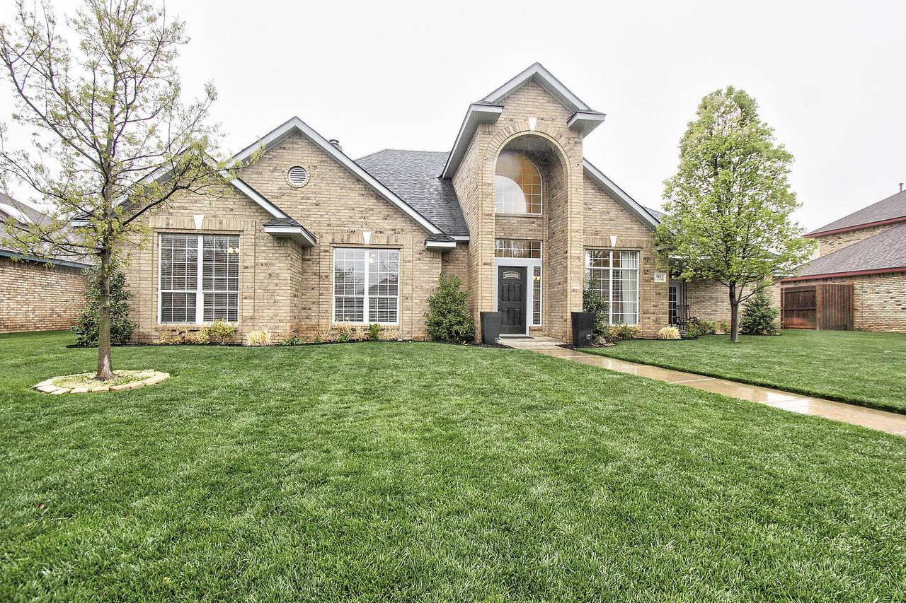 8112 Victory Dr - Photo 1