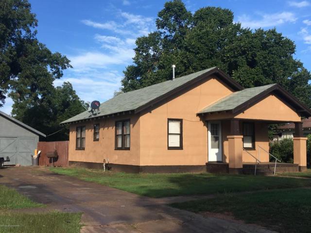713 10th N, Memphis, TX 79245 (#17-109841) :: Elite Real Estate Group