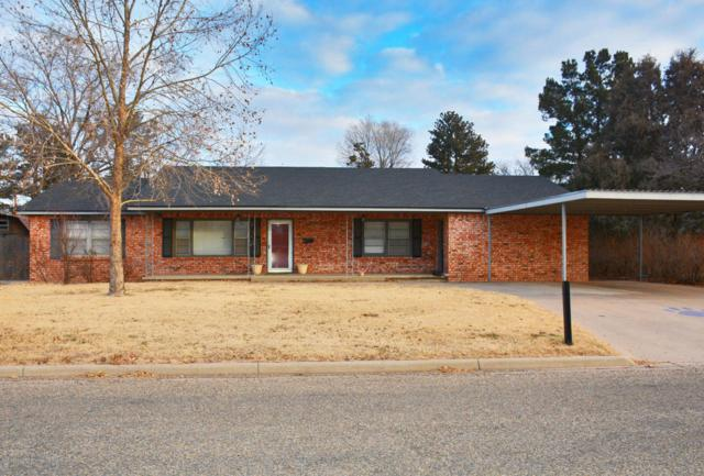 702 W Grant St, Dimmitt, TX 79027 (#18-111800) :: Keller Williams Realty