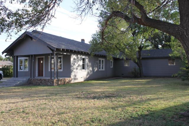307 Oak Ave, Panhandle, TX 79068 (#18-112694) :: Lyons Realty