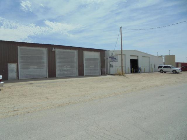 1103 6th Avenue E, Perryton, TX 79070 (#18-113894) :: Lyons Realty