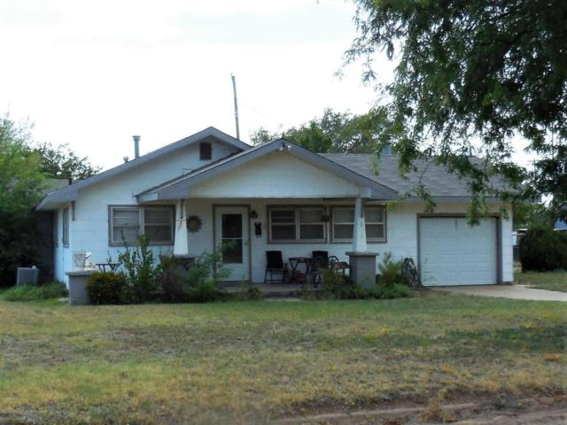 207 Wall St S, Shamrock, TX 79079 (#18-116585) :: Big Texas Real Estate Group