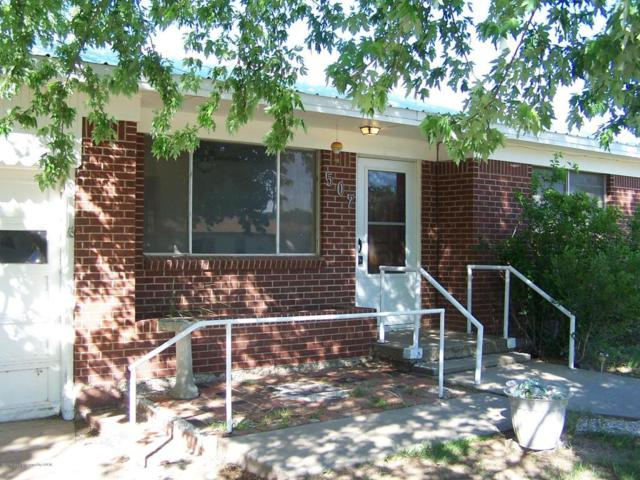 507 S Hoyne Ave, Fritch, TX 79036 (#18-117241) :: Edge Realty
