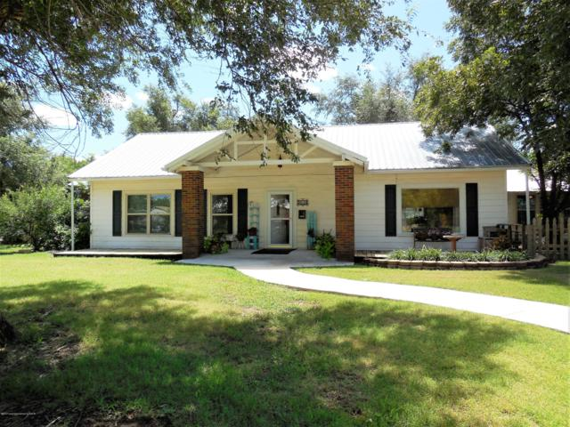 310 E 1st St E, Shamrock, TX 79079 (#18-117287) :: Edge Realty