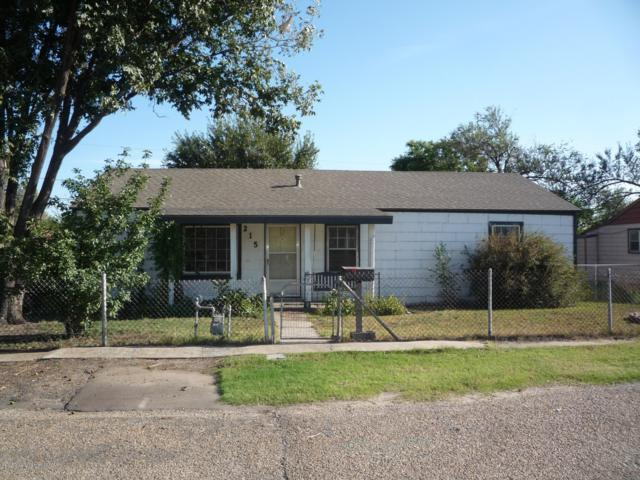 215 Hickory St, Borger, TX 79007 (#18-118479) :: Edge Realty