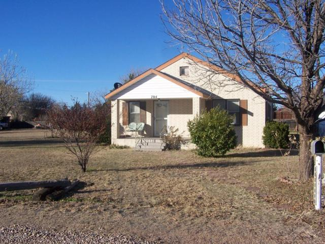 704 Cottonwood St, Fritch, TX 79036 (#18-119631) :: Lyons Realty