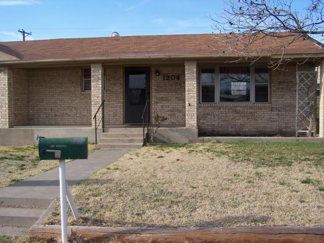 1204 Wisconsin St, Borger, TX 79007 (#19-2648) :: Keller Williams Realty