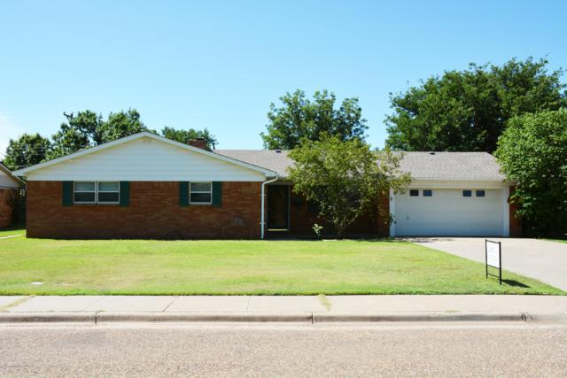 723 Oak St, Dimmitt, TX 79027 (#19-5205) :: Live Simply Real Estate Group