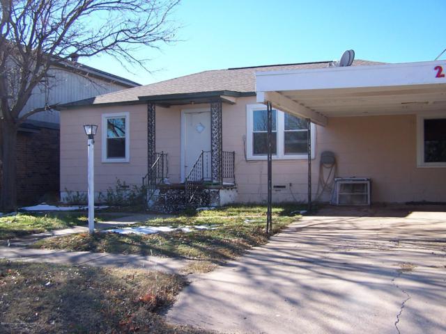 210 Mackenzie Ave, Stinnett, TX 79083 (#19-610) :: Elite Real Estate Group