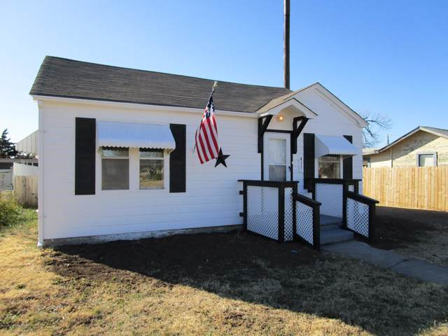 411 Ward St, Pampa, TX 79065 (#19-8447) :: Lyons Realty