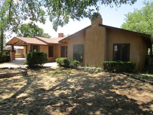 409 Madden St, Shamrock, TX 79079 (#20-4238) :: Lyons Realty