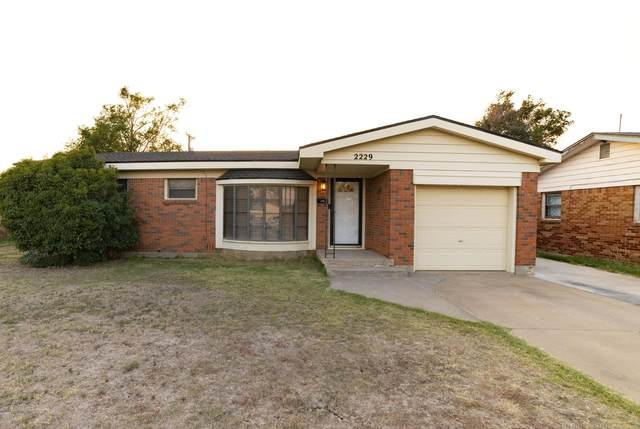 2229 Wells, Pampa, TX 79065 (#20-6440) :: Lyons Realty