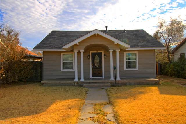 917 Baylor, Perryton, TX 79070 (#20-6852) :: Live Simply Real Estate Group