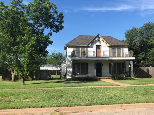 510 Avenue  F Se, Childress, TX 79201 (#18-113993) :: Edge Realty