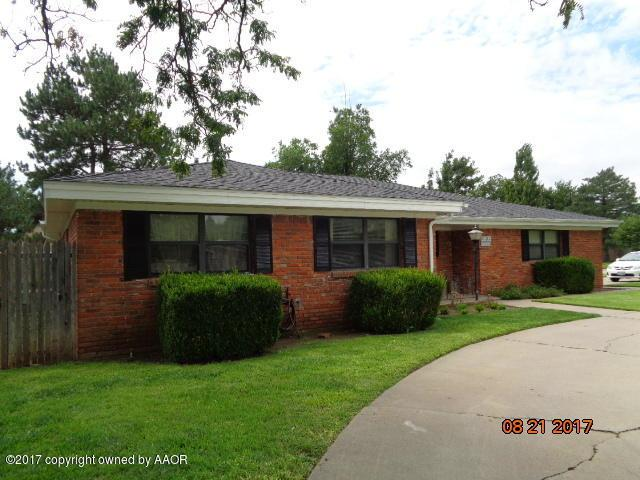 3805 Puckett Dr, Amarillo, TX 79109 (#17-109395) :: Keller Williams Realty