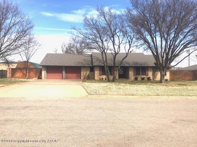 2104 Denfield Lane, Childress, TX 79201 (#18-113169) :: Edge Realty