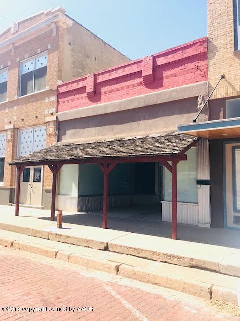 203 N Main St, Childress, TX 79201 (#18-113268) :: Gillispie Land Group