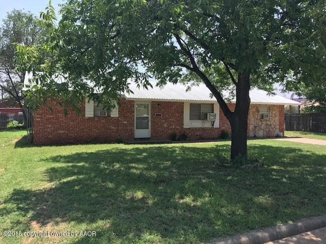 1211 Avenue G Nw, Childress, TX 79201 (#18-115847) :: Elite Real Estate Group