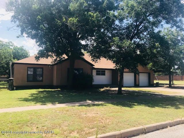 703 S 9th St, Memphis, TX 79245 (#18-116148) :: Big Texas Real Estate Group
