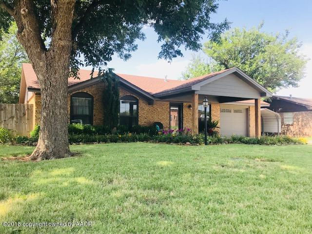 404 Ave K SE, Childress, TX 79201 (#18-116290) :: Edge Realty