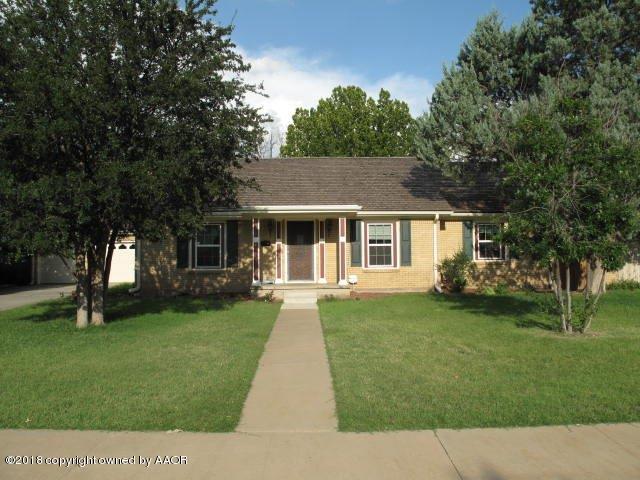 2407 Travis St, Amarillo, TX 79109 (#18-117749) :: Gillispie Land Group
