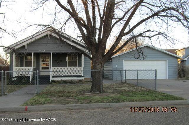 226 Overland Trl, Fritch, TX 79036 (#18-119691) :: Lyons Realty