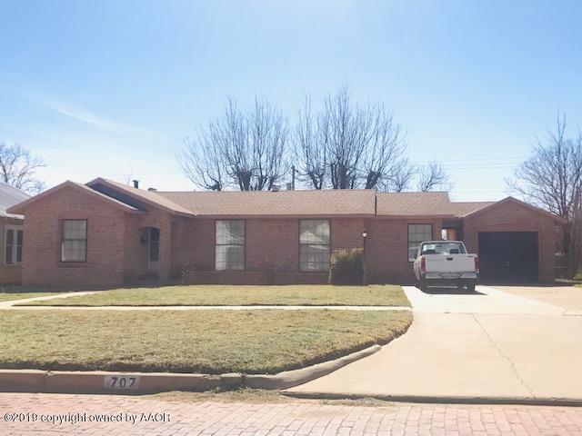 707 D Nw, Childress, TX 79201 (#19-1755) :: Elite Real Estate Group