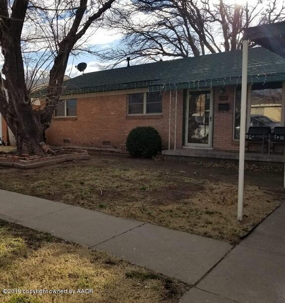 2210 Georgia, Perryton, TX 79070 (#19-2243) :: Elite Real Estate Group