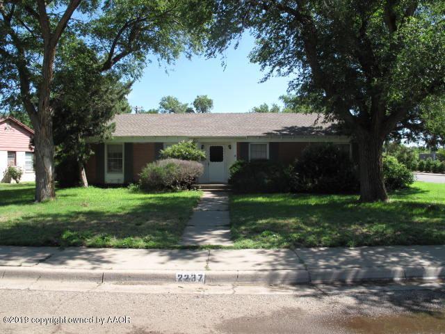 2237 Peach Tree St, Amarillo, TX 79109 (#19-4210) :: Lyons Realty