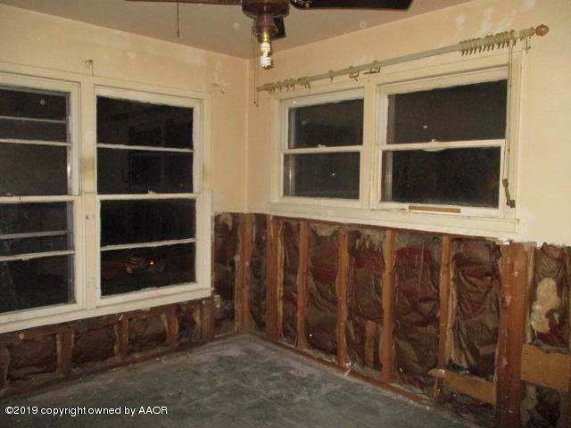 1005 Carpenter St, Borger, TX 79007 (#19-8359) :: Elite Real Estate Group