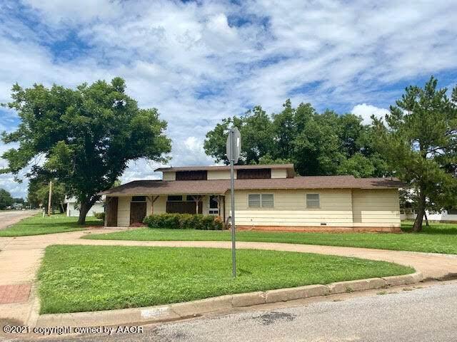501 Ave G Se, Childress, TX 79201 (#21-4251) :: Keller Williams Realty