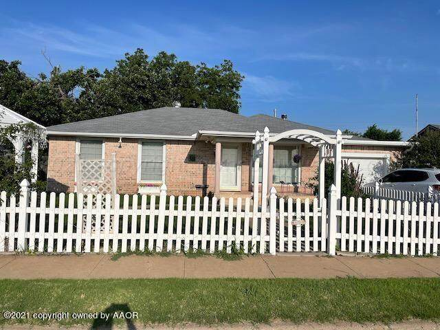 1613 Duncan, Pampa, TX 79065 (#21-5721) :: RE/MAX Town and Country