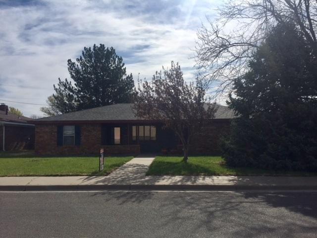 1213 Jackson S, Perryton, TX 79070 (#18-114210) :: Big Texas Real Estate Group