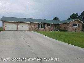 601 Sw 26th Ave, Perryton, TX 79070 (#18-117820) :: Gillispie Land Group