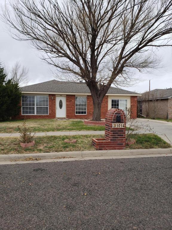 1014 Gordon, Amarillo, TX 79104 (#18-119725) :: Lyons Realty