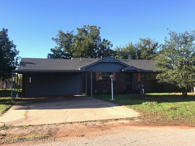 606 Ave J Se, Childress, TX 79201 (#18-113226) :: Lyons Realty