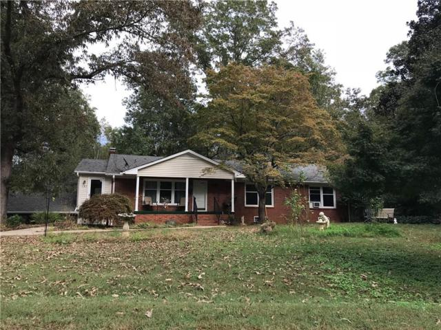 521 Singing Pines Road, Seneca, SC 29678 (MLS #20208777) :: Les Walden Real Estate
