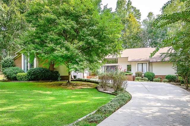 240 Stonehaven Way, Seneca, SC 29672 (MLS #20221378) :: Les Walden Real Estate