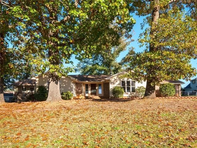 1011 Sierra Drive, Easley, SC 29642 (MLS #20222845) :: Tri-County Properties at KW Lake Region