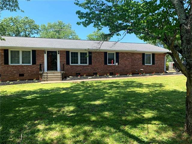 2019 Old Spring Drive, Anderson, SC 29625 (MLS #20228459) :: Tri-County Properties at KW Lake Region