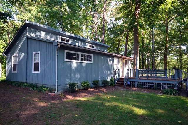 97 Fisherman's Cove, Lavonia, GA 30553 (MLS #20229817) :: Les Walden Real Estate
