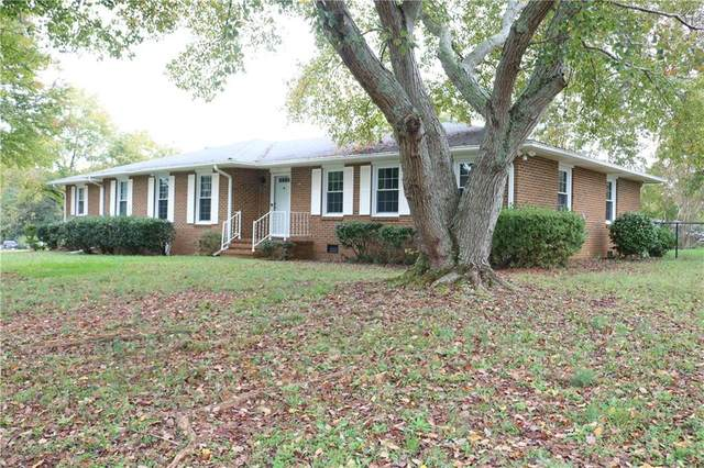 1701 Whitehall Road, Anderson, SC 29625 (#20231853) :: Expert Real Estate Team