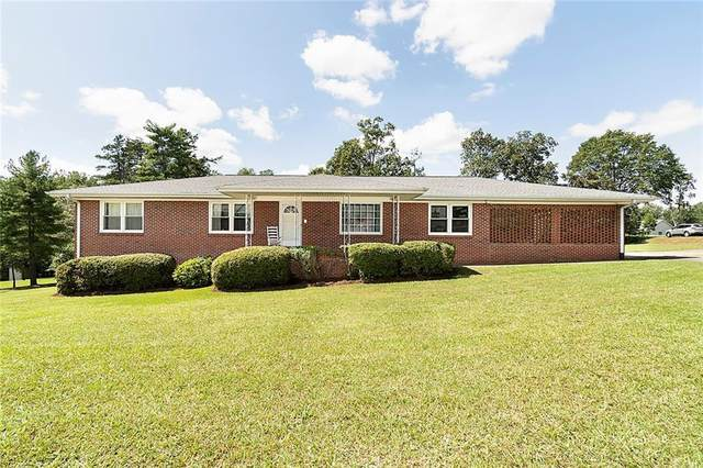 2002 Kaye Street, Seneca, SC 29678 (MLS #20232053) :: The Powell Group