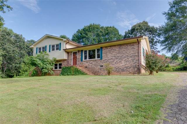 1442 Hiawassee Drive, Seneca, SC 29672 (MLS #20232170) :: Tri-County Properties at KW Lake Region