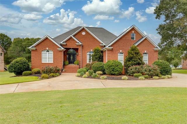 212 Waterfront Drive, Williamston, SC 29697 (MLS #20232236) :: Les Walden Real Estate