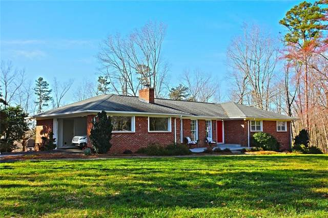 2814 N Bayshore Drive, Seneca, SC 29672 (MLS #20237012) :: Les Walden Real Estate