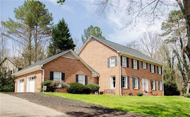 1611 Keowee Lakeshore Drive, Seneca, SC 29672 (MLS #20238529) :: Les Walden Real Estate