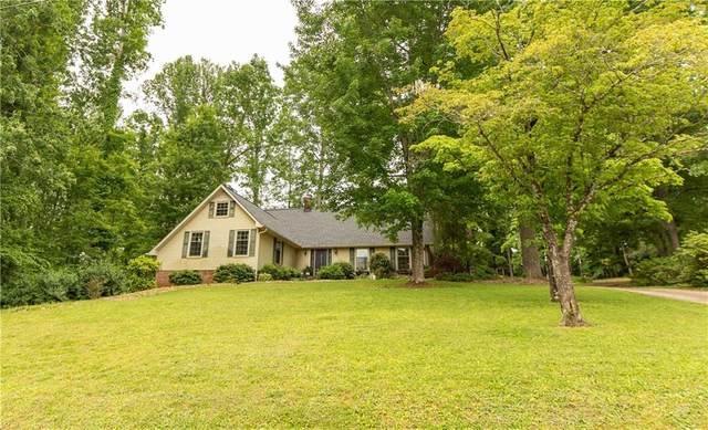 302 Club Drive, Travelers Rest, SC 29690 (#20239663) :: DeYoung & Company
