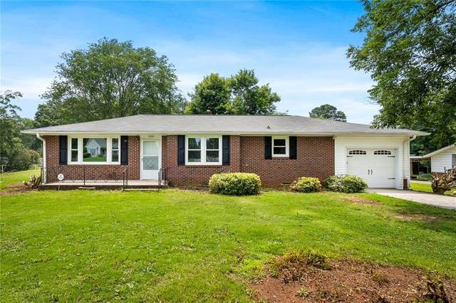 1000 Bolt Drive, Anderson, SC 29621 (MLS #20242002) :: The Powell Group