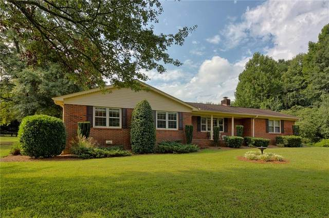 118 Forest Park Drive, Easley, SC 29642 (MLS #20242169) :: Lake Life Realty